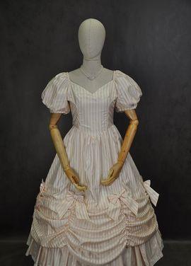 Исторические костюмы Бальное платье 19 век напрокат | Аренда и прокат – Москва