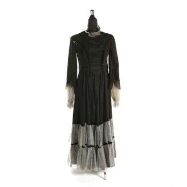 Исторические костюмы Платье историческое напрокат | Аренда и прокат – Москва