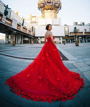 Платья Платье красное со шлейфом напрокат | Аренда и прокат – Москва