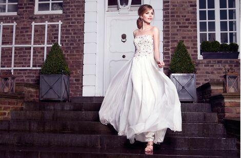 Платья Young Couture молочное напрокат   Аренда и прокат – Москва