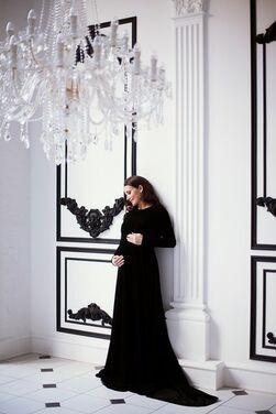 Платья Черное бархатное платье со шлейфом  напрокат | Аренда и прокат – Москва