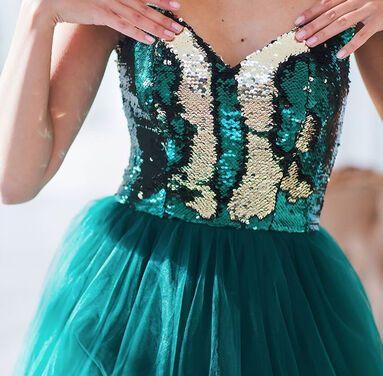 Платья Шикарное платье изумрудного цвета напрокат | Аренда и прокат – Санкт-Петербург