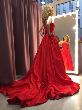 Платья Платье красное пышное напрокат | Аренда и прокат – Санкт-Петербург