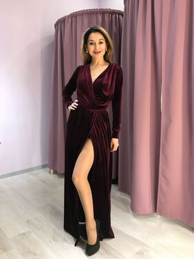 Платья Платье-халат из красного бархата напрокат   Аренда и прокат – Санкт-Петербург