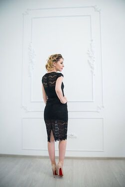 Платья Черное кружевное платье напрокат | Аренда и прокат – Москва