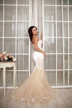 Платья Рыбка бежевое, белое White Lily напрокат | Аренда и прокат – Москва